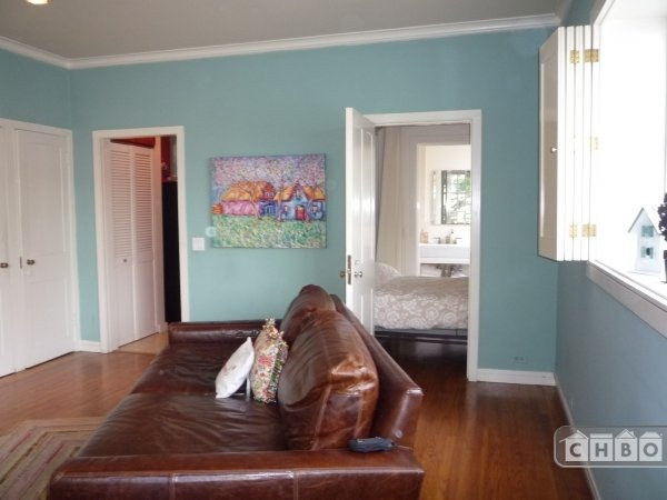 image 2 furnished Studio bedroom Townhouse for rent in Nob Hill, San Francisco
