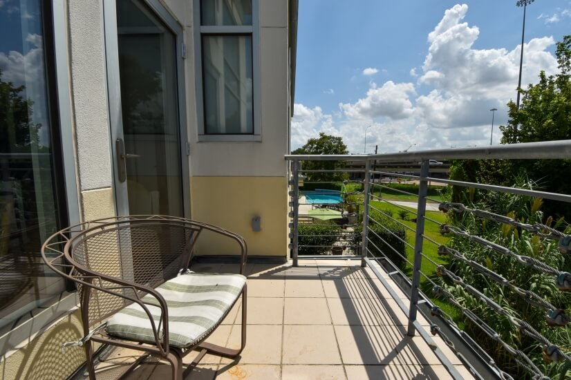 condo balcony toeaard pool