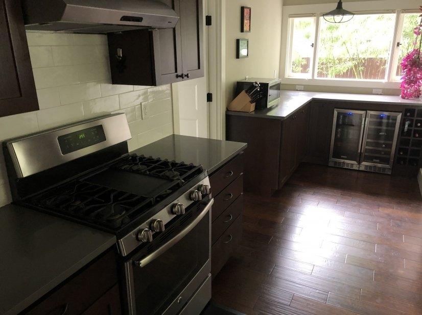 image 11 furnished 2 bedroom House for rent in Portland Northwest, Portland Area