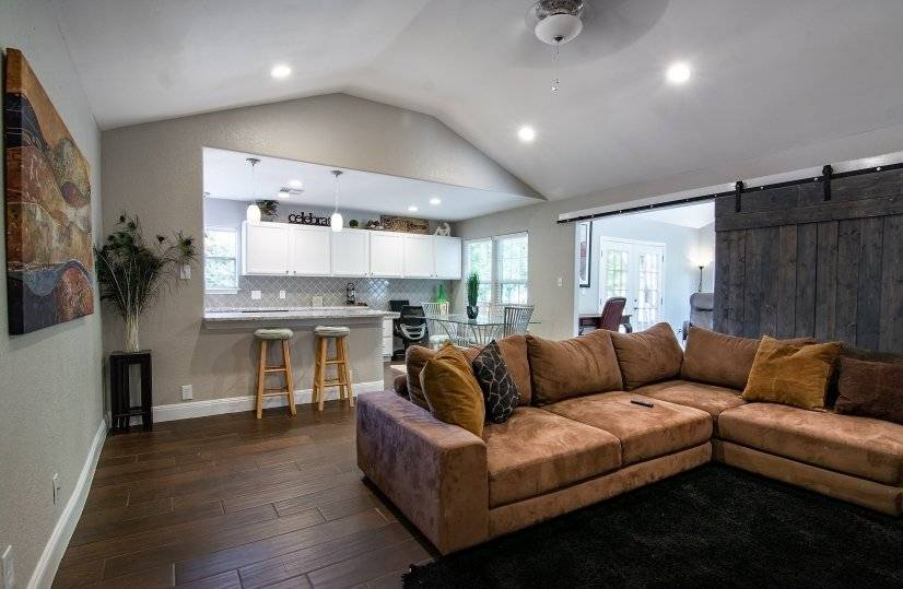 Ample space with soaring ceilings