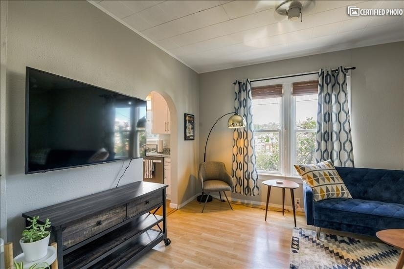 image 4 furnished 3 bedroom Townhouse for rent in Queen Anne, Seattle Area