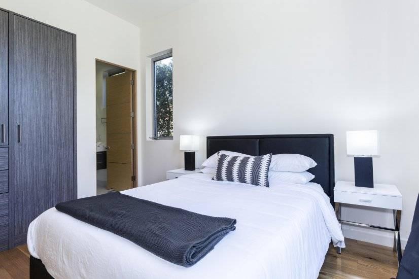 Downstairs Bedroom with En-suite Bathroom 2
