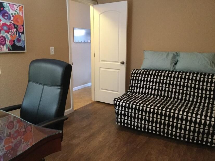 2nd bdrm futon & desk area
