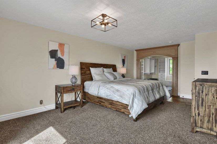 Master Bedroom suite complete with Large Walk In Closet
