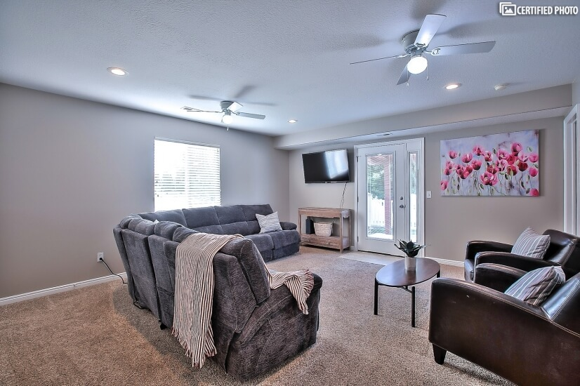 Family Room with smart TV, recliners and a sofa bed!