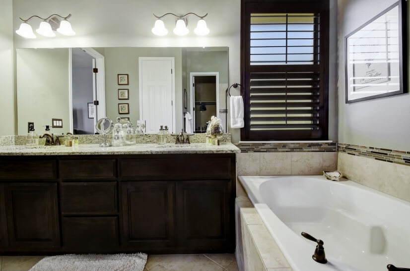 Garden tub and double sinks