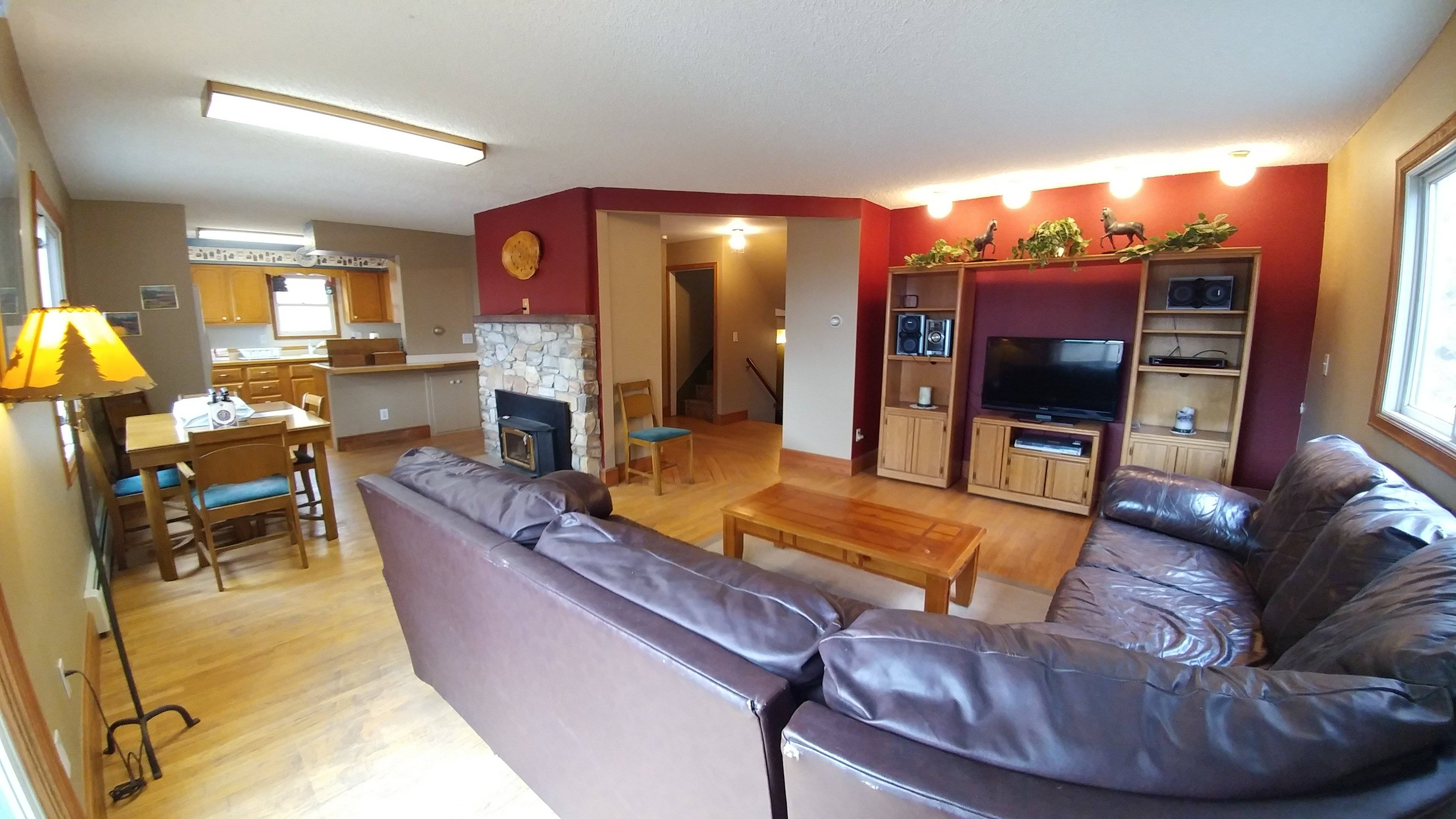 image 2 furnished 6 bedroom House for rent in Manitou Springs, Other El Paso County