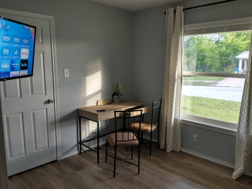 Desk, ROKU TV,Secondary