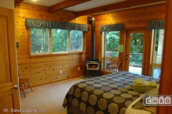 image 10 furnished 3 bedroom House for rent in Mt. Baker, Cascade Mountains