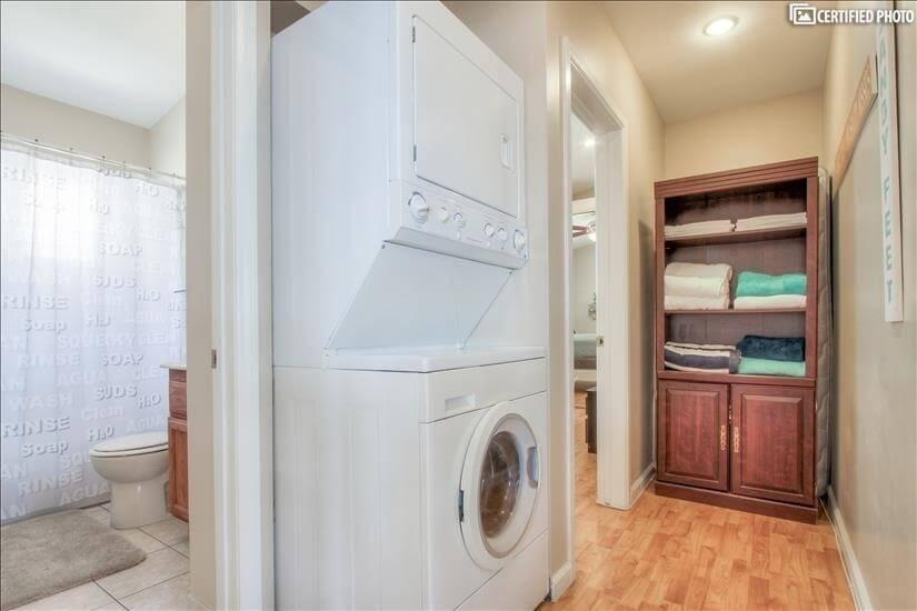 Hallway, washer/dryer