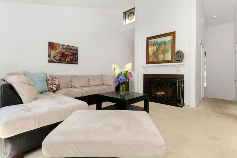 image 4 furnished 2 bedroom Townhouse for rent in Bellevue, Seattle Area