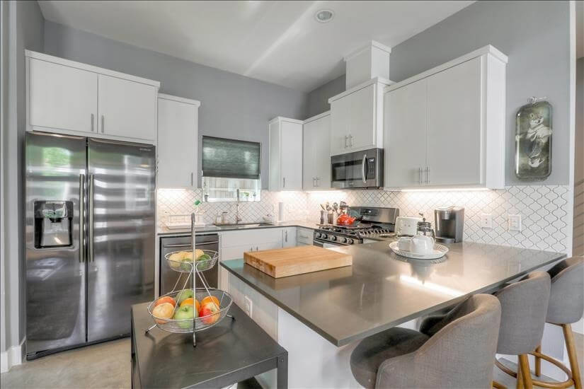 Lovely kitchen, equipped with all kitchen gadgets