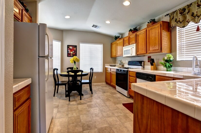 Fully Equipped Kitchen and Nook