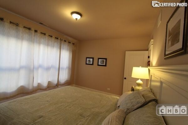 image 13 furnished 3 bedroom Townhouse for rent in Rogers Park, North Side