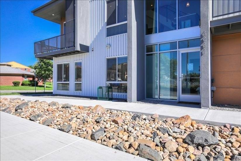 Upscale Living in a desirable area.