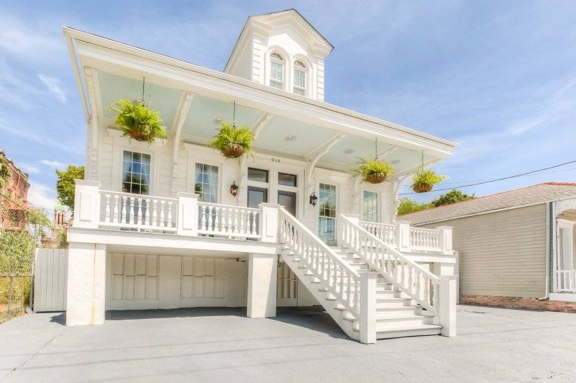image 2 furnished 2 bedroom Townhouse for rent in Garden District, New Orleans Area