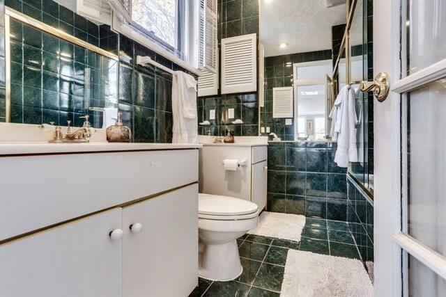 Bathroom 1 with a Jacuzzi Tub
