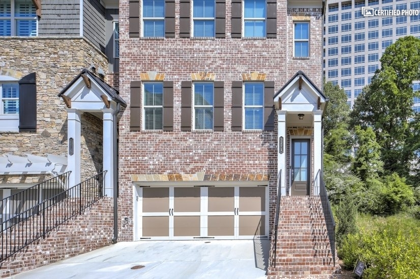 image 2 furnished 4 bedroom Townhouse for rent in Vinings, Cobb County