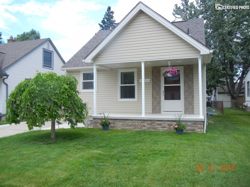 image 2 furnished 3 bedroom House for rent in Dearborn, Detroit Area