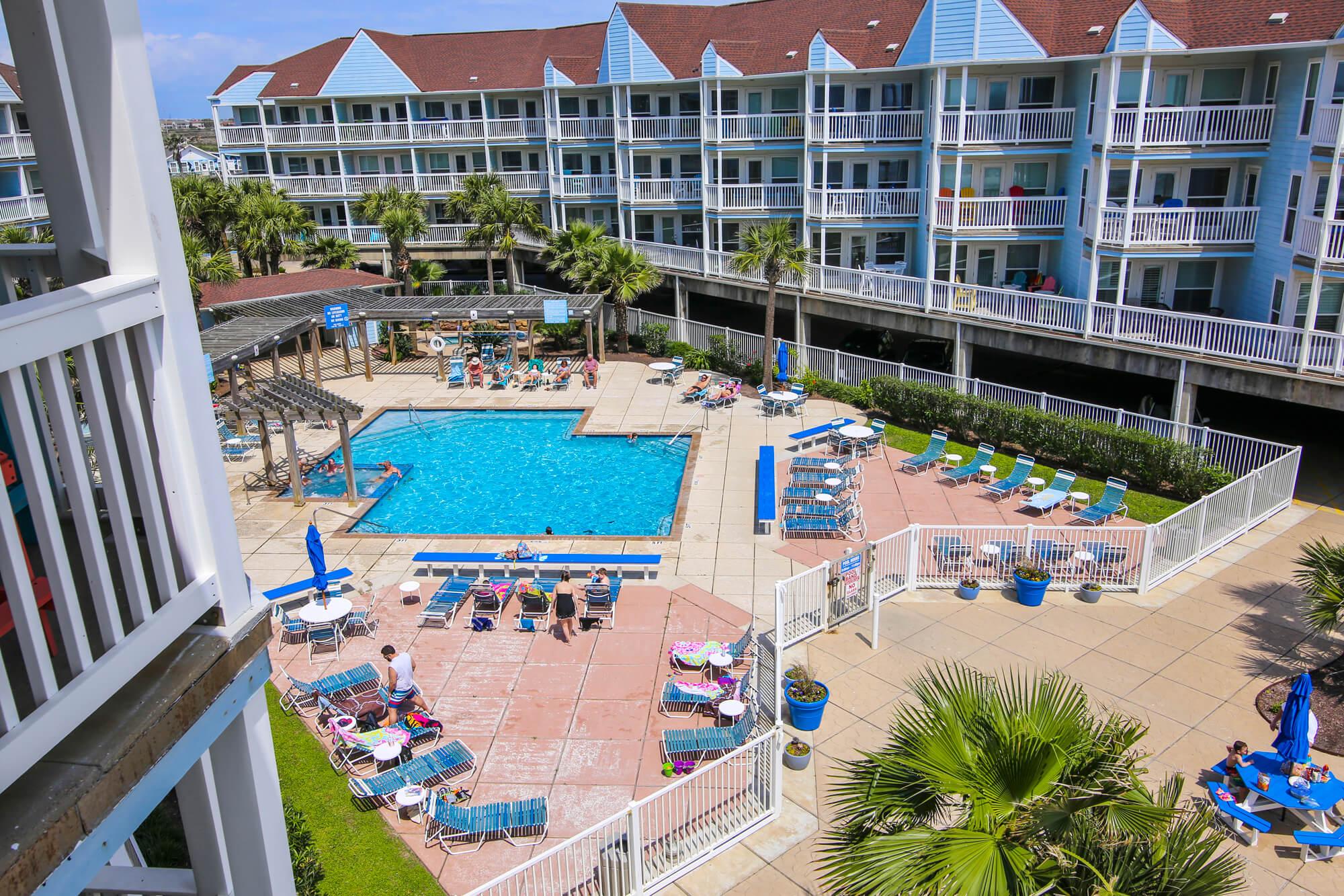 Seascape Resort Community Pool & Courtyard