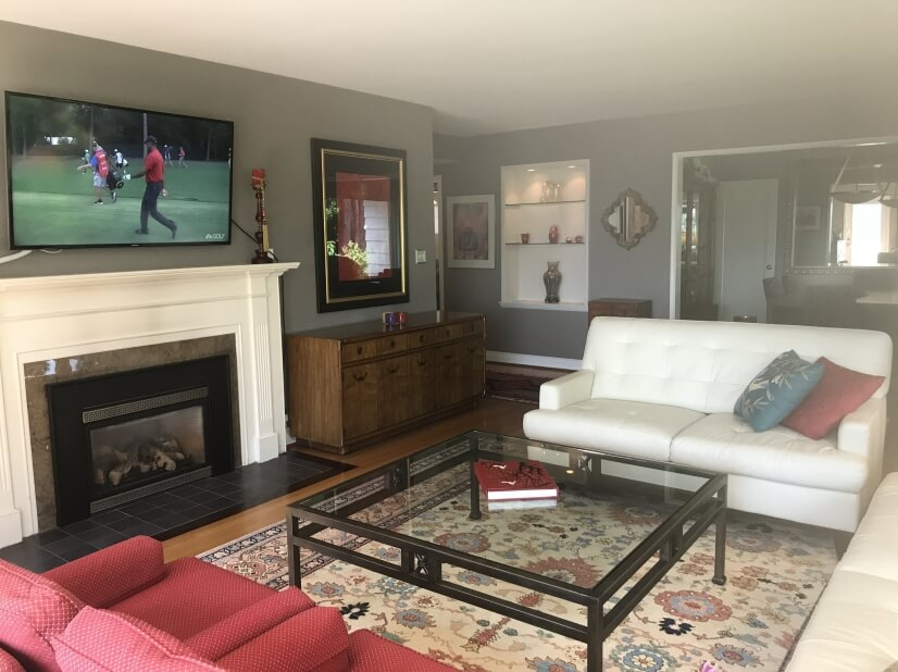 Large Living Room with Gas Fireplace & View of Mt Rainer