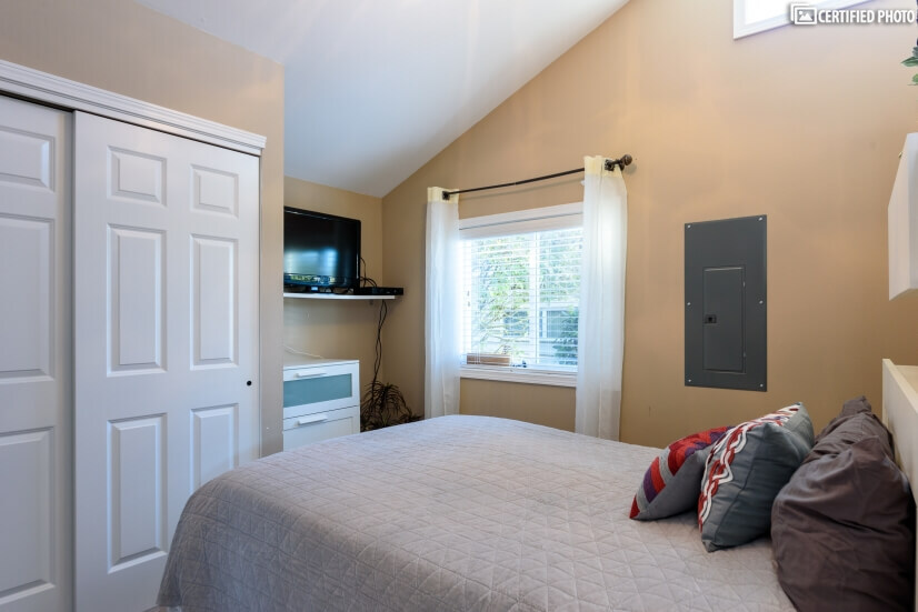 image 12 furnished 1 bedroom House for rent in Edmonds, Seattle Area