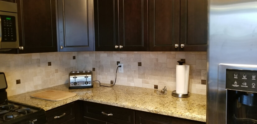 Kitchen has plenty of counter & cabinet space, granite count