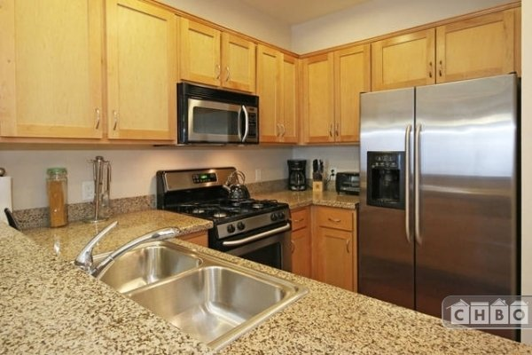 image 12 furnished 1 bedroom Townhouse for rent in Park West, Central San Diego