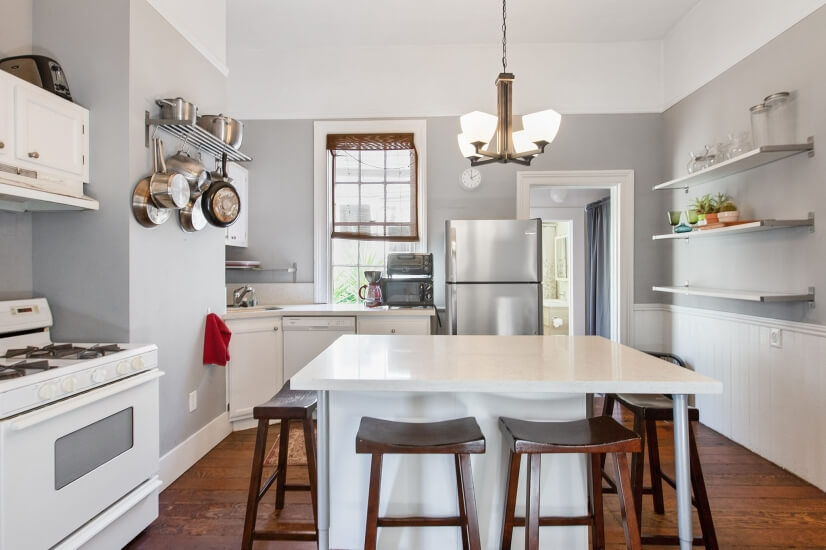 Kitchen with 8 seatings