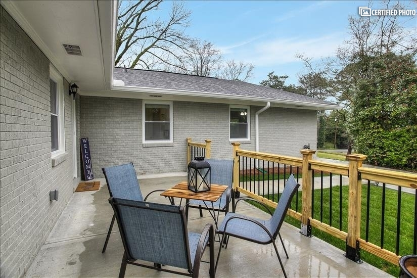 image 9 furnished 3 bedroom House for rent in North Atlanta, DeKalb County