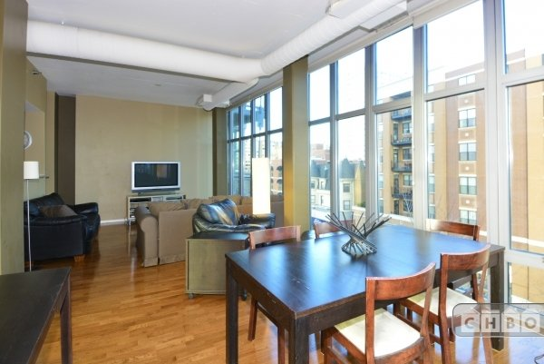 image 5 furnished 2 bedroom Townhouse for rent in Uptown, North Side