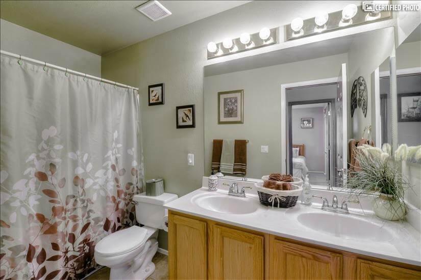 Bath Room 2 Level 2