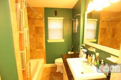 Bath (1st. Floor)
