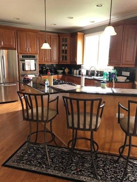 image 7 furnished 5 bedroom House for rent in McHenry, McHenry County