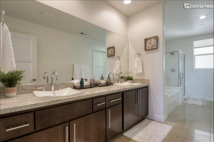 image 17 furnished 3 bedroom Townhouse for rent in North Hollywood, San Fernando Valley