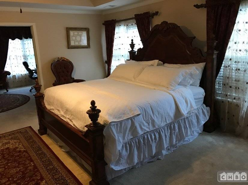 image 7 furnished 4 bedroom House for rent in Sandy Springs, Fulton County