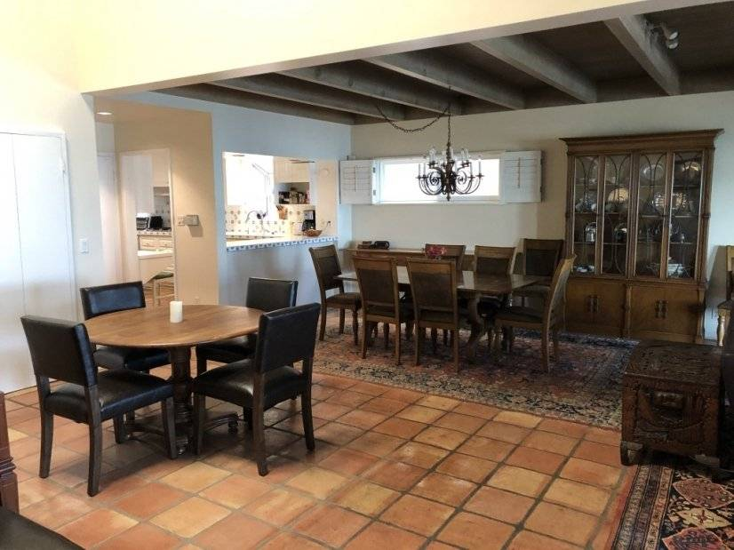 Breakfast and dining tables