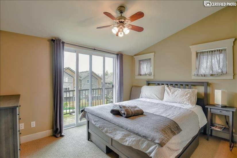 Upstairs Master Suite with  walk in closet an