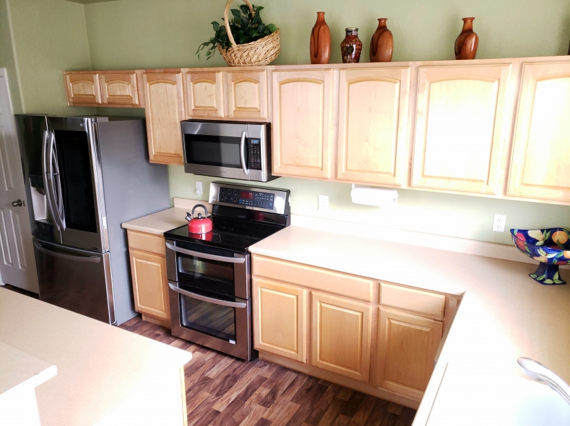 Fully stocked kitchen with new high end stainless appliances