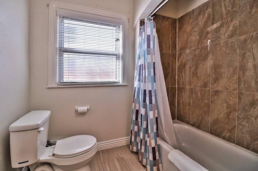 Master bathroom - photo 2