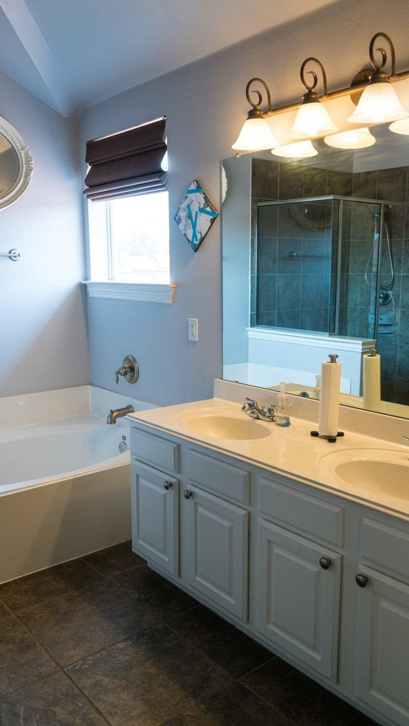Master Bathroom Small
