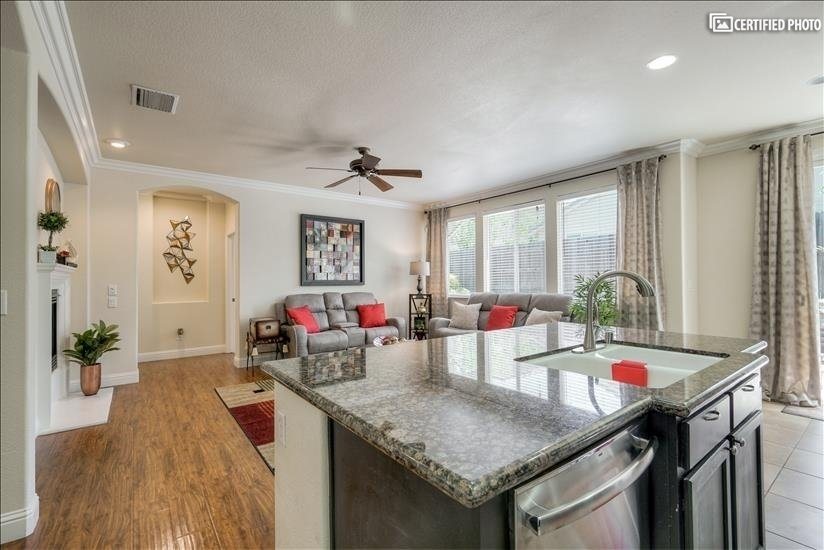 image 9 furnished 4 bedroom House for rent in Roseville, Sacramento - Stockton