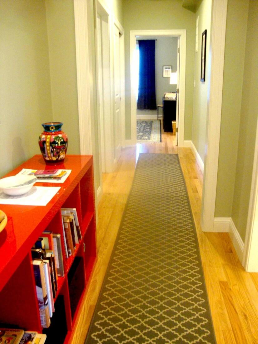main hallway to bath, bedroom, coat closet