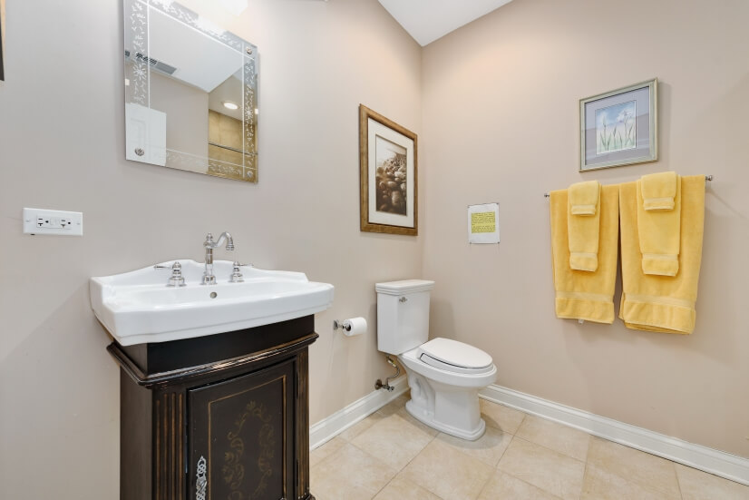 image 15 furnished 2 bedroom Townhouse for rent in Rogers Park, North Side