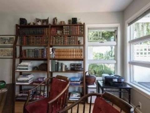 Second Bedroom Options: Bedroom or Office