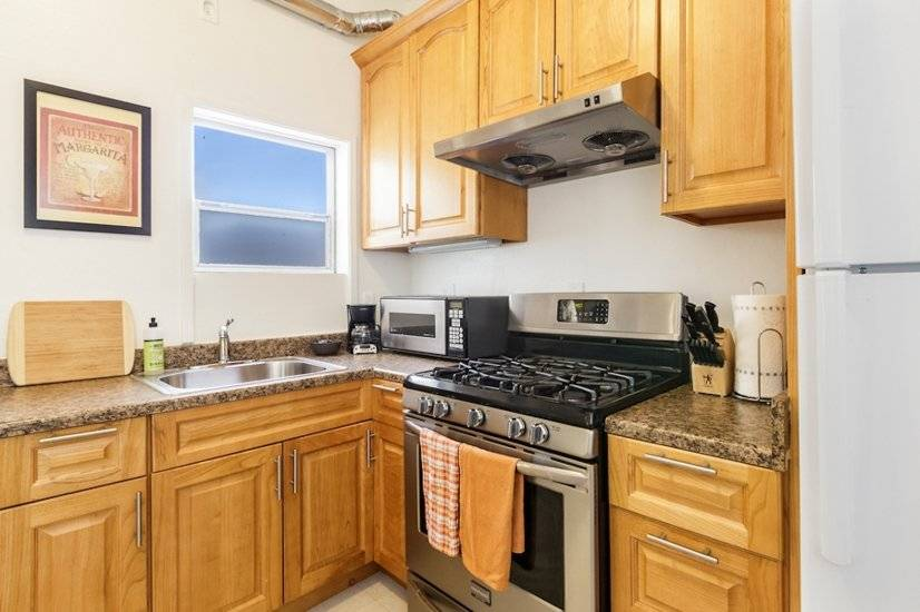 image 2 furnished 4 bedroom Apartment for rent in Marina District, San Francisco