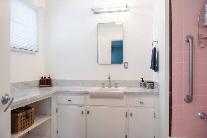 Master bath area