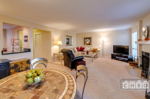 image 2 furnished 2 bedroom Townhouse for rent in Bellevue, Seattle Area