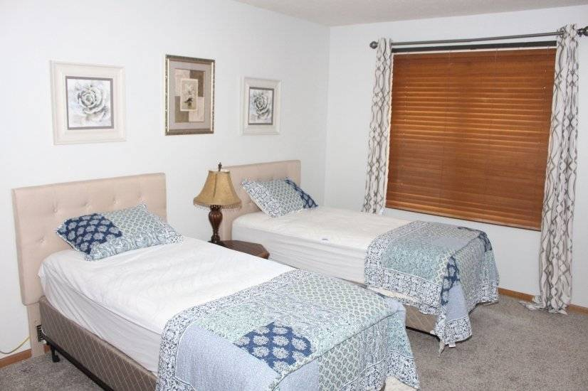 image 7 furnished 5 bedroom House for rent in Lincoln, Lincoln - Omaha Area