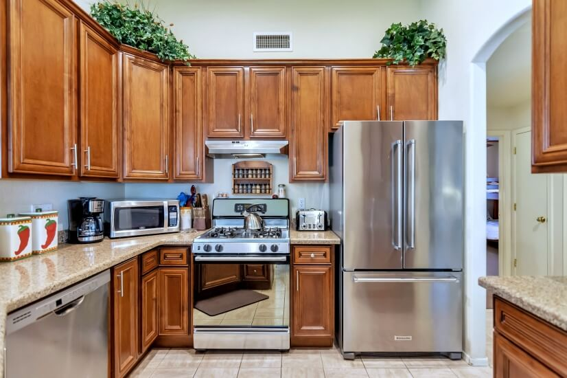 Kitchen with stainless steel appliances: